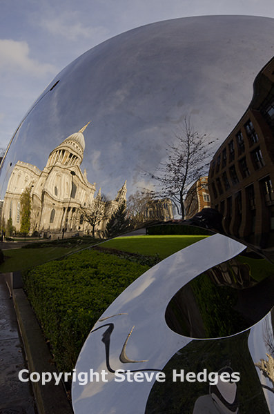 London St Paul's Cathedral by Steve Hedges